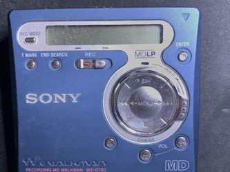 Sony MZ-R700 Minidisc with Extras for Sale in Chicago,  IL