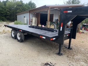 Gooseneck flatbed trailer with ramps for Sale in Hockley, TX