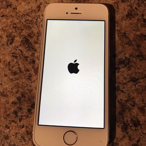 iPhone 5s White/Silver for Sale in KY, US