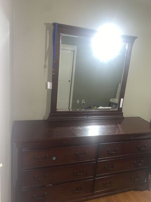 6 drawer dresser for Sale in Sacramento, CA