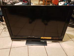 """Tv SONy """"40 """" PULGADAS HD FUNCIONA BIEN TODO . for Sale in Gardena, CA"""