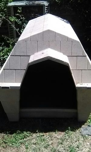 Nice clean large dog house for Sale in Wichita, KS