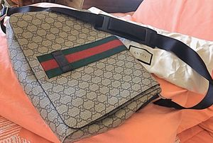 Gucci messenger bag authentic for Sale in New York, NY