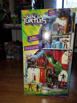 Brand New Ninja Turtle Huge Multi Dimensional Tower for Sale in Fredonia, KS
