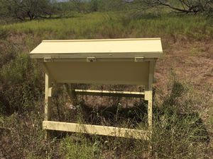 Top bar bee hive for Sale in Victoria, TX
