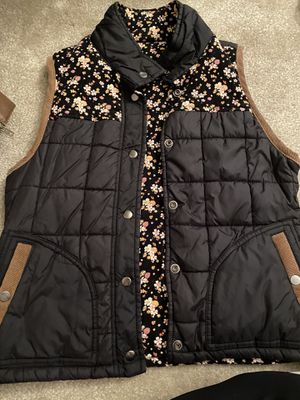 Pacsun Reversible Black and Pink Floral Vest (Size Small) for Sale in Arlington, VA