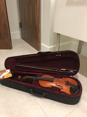 Lisle Violin 112 Violin Model 112 3/4 with Brazilwood bow and Violin Case for Sale in Houston, TX