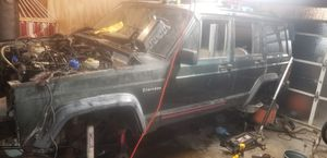 Going to junkyard on 10/19. 1995 jeep cherokee XJ- parts(mostly body and interior left) for Sale in Lombard, IL