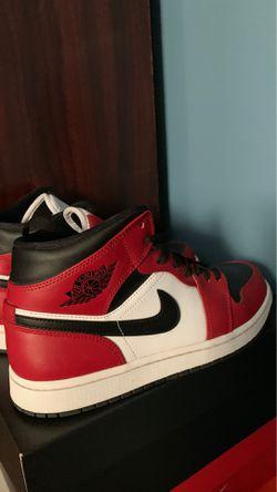 Jordan 1 Mid Size 8.5 for Sale in Valley Center,  KS