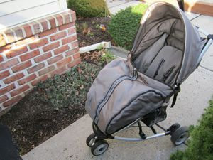 Folding stroller for Sale in Macungie, PA
