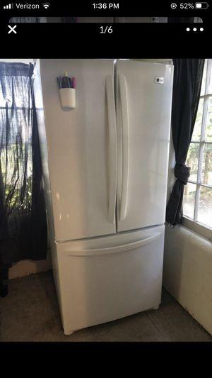 Lg model # lfc20760sw/04 fridge refrigerator ice maker French door bottom drawer freezer working condition for Sale in Portland, OR