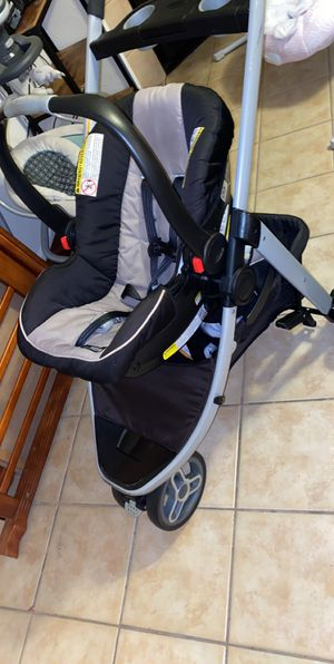 stroller / car seat for Sale in Altamonte Springs, FL