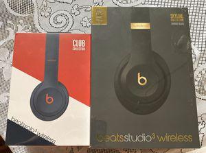 Beats by dre headphones for Sale in Elk Grove, CA