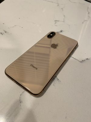 Gold iPhone XS 256 GB like new for Sale in Los Angeles, CA