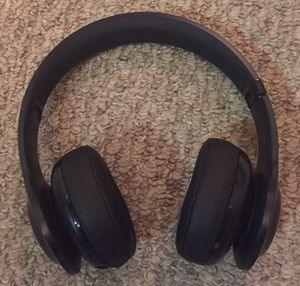Like New JBL Everest 300 headphones for Sale in Chicago, IL