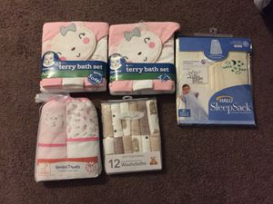 Baby towel & wash clothes & swaddled blanket for Sale in Columbus, OH