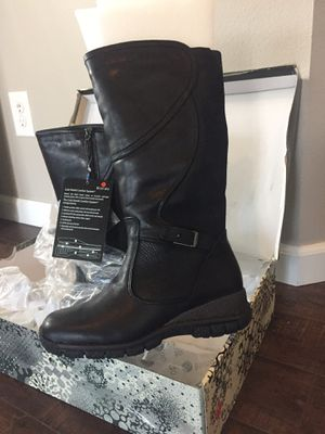 New Boots $75.00 for Sale in Auburn, WA