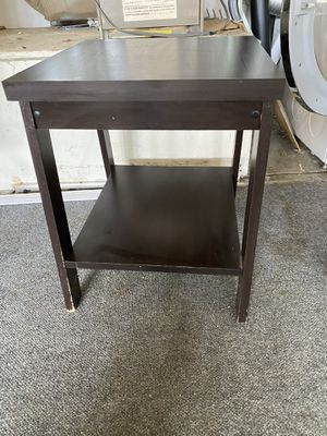 End table for Sale in Suisun City, CA