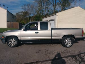 2000 Chevy Silverado LS for Sale in Columbus, OH