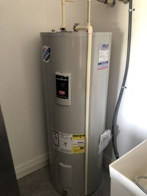 Water heater for Sale in Davenport, FL