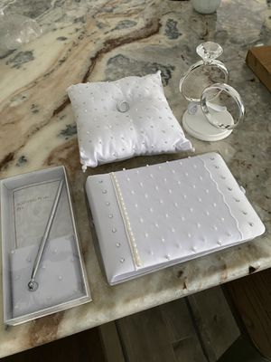Wedding items! Like new! for Sale in St. Petersburg, FL