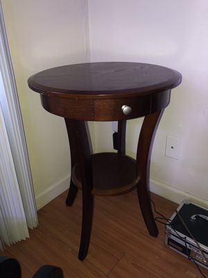 Round Wood Table for Sale in Los Angeles, CA