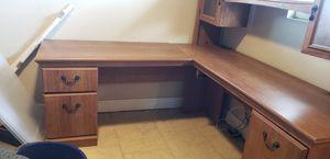 Large Corner desk for Sale in St. Cloud, FL