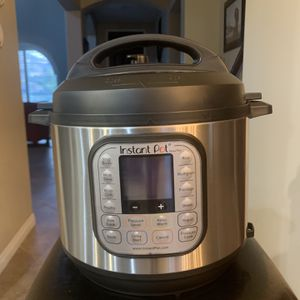Instant Pot Nova Plus 6 Qt for Sale in Riverside, CA