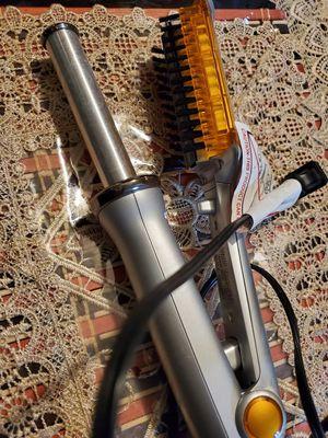 Waflera y sepillo moldeador for Sale in Dallas, TX