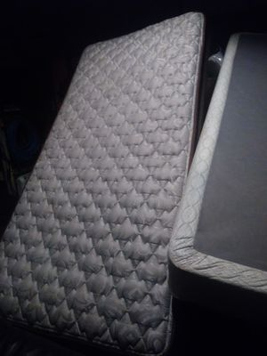 Twin bed With frame. Deliver Abaylable with extra fee for Sale in Brooks, OR
