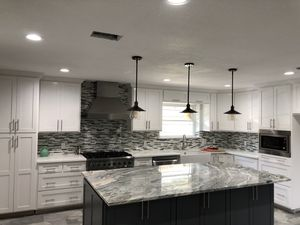 De León Kitchen & Bath Remodeling for Sale in Grand Prairie, TX