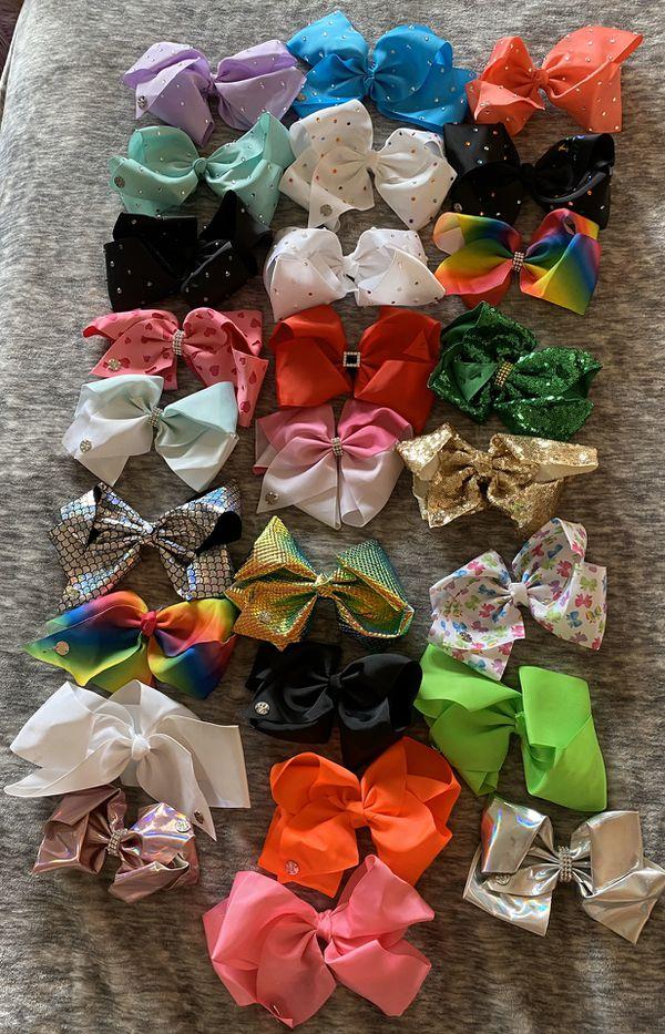 26 Jojo Siwa bows