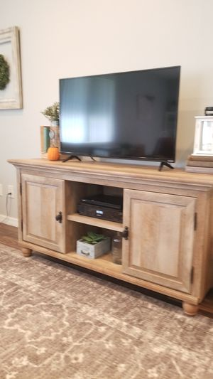 TV stand console for Sale in Tampa, FL