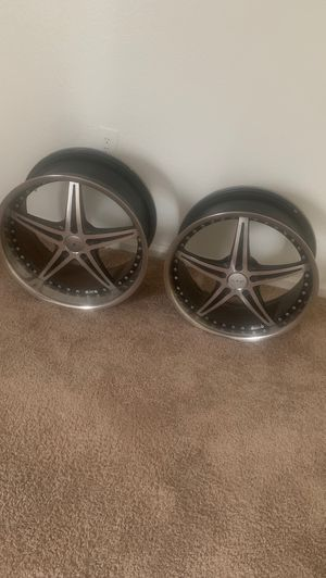 """Staggered Rims 20""""s for Sale in Petersburg, VA"""