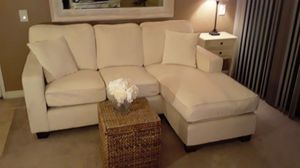 Offwhite small chaise sofa dimensions 6 ft long x3 ft deep chaise 4 ft long and adjustable chaie for Sale in Indio, CA
