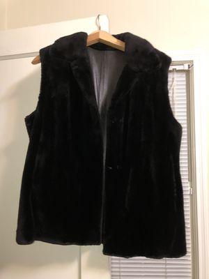 Black sheared nutria vest/ reversible leather for Sale in Memphis, TN