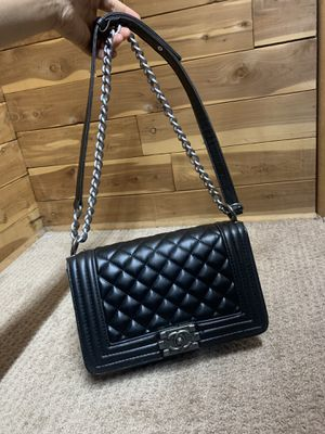New Chanel bag leather black for Sale in Paterson, NJ