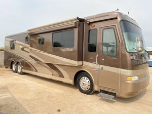 2005 beaver patriot thunder 40 foot tag axle diesel pusher 525 hp twinTurbo 4000 Allison transmission this bus is sitting on a roadmaster chassis C for Sale in Phoenix, AZ
