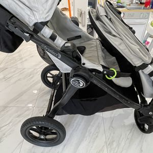 City Select Double Stroller BASSINET ATTACHMENT INCLUDED for Sale in Hollywood, FL
