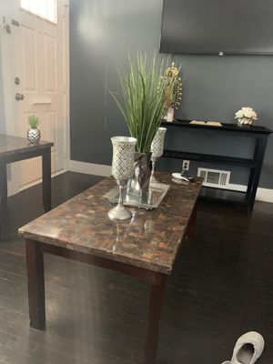Center table and two coffee set for Sale in Lincoln Park, MI