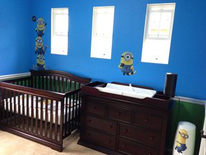 Dresser with Changing Table Topper, Crib with mattress for Sale in San Diego, CA