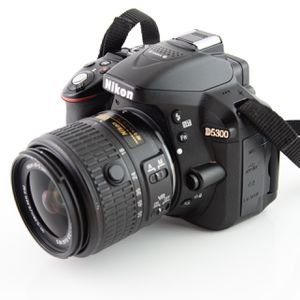 Perfect Condition Nikon D5300 DSLR Camera With Swivel Screen& SD Card & Starter Kit for Sale in Ellicott City, MD