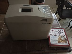 Breadman plus automatic bread maker w/ cookbook for Sale in Antioch, CA