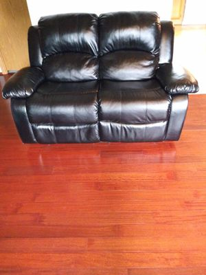 Loveseat and single seat for Sale in Taintor, IA