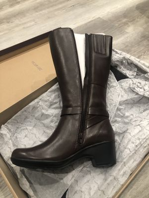Brand new in box - Clarks tall leather boots with ortholite footbed in size 8 for Sale in San Jose, CA