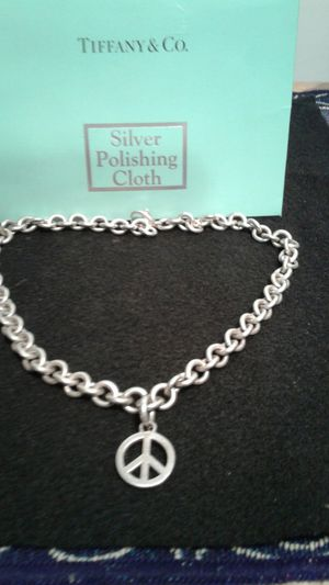 Tiffany REGISTERED ladies peace necklace for Sale in Lutz, FL