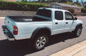 New tires 2003 Toyota Tacoma Oil changed for Sale in Long Beach, CA