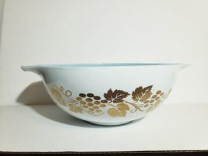 Pyrex Golden Grapes 444 Cinderella Bowl for Sale in Hyattsville, MD