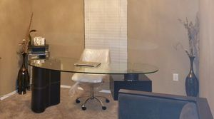 Glass Desk with Leather for Sale! for Sale in Marrero, LA