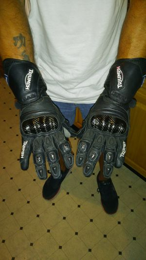 Triumph MOTORCYCLE gloves for Sale in Collingswood, NJ